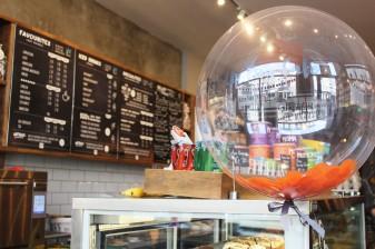 balloon at pop up pug cafe